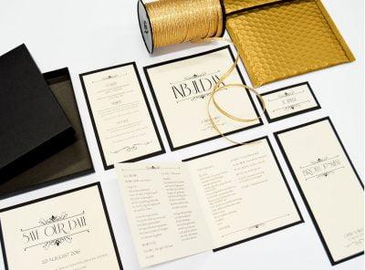 Exklusiv tryckt bröllopskollektion i guld bröllopsinbjudan