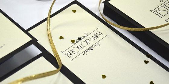 Champagne Guld Lyxiga bröllopskort i glittrigt guld