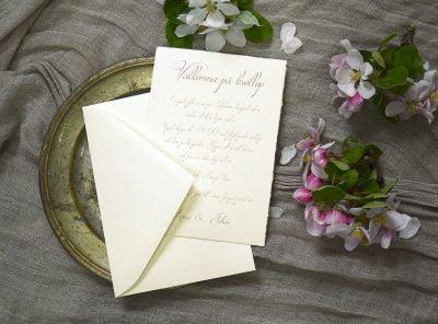 Bröllopskort-handgjort-papper-med-kuvert-Särö
