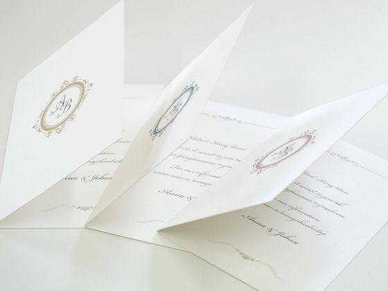 Château-bröllopsinbjudan-två-olika