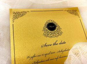 inbjudningskort-glittrigt papper